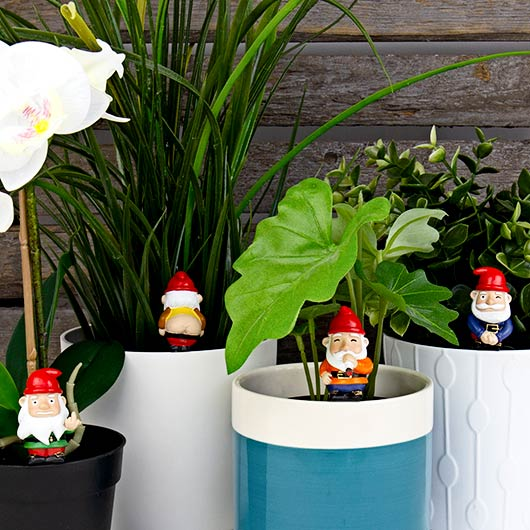 Gift Republic Fantaisie Mini Naughty Garden Gnomes Ornement Set drôle design cadeau
