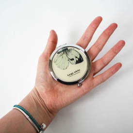 Large white compact mirror